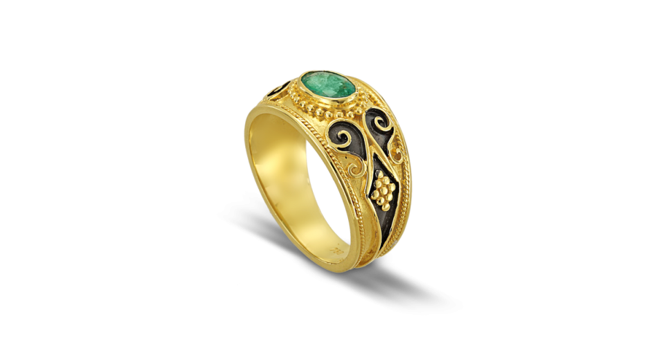 Black Collection Byzantine Ring with Emerald